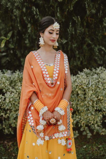 bridal photoshoot ideas on haldi day