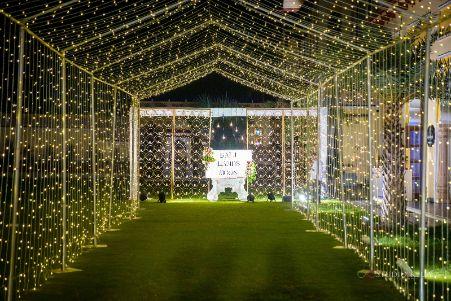 stunning decor with fairy lights | Stunning Reception Look