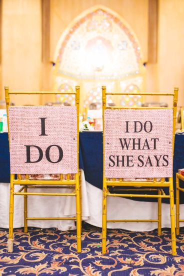 groom and bride seat ideas | Stunning Reception Look