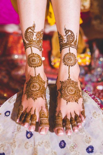 bridal foot henna | bridal mehendi ideas