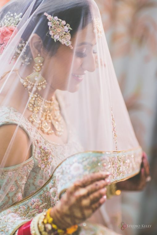 viel shot ideas | indian bridal photoshoot ideas | Pastel Wedding with a Stunning Reception Look
