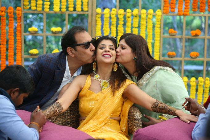indian bride with her parents | mehendi | haldi function |shaadi in delhi | yellow outfit