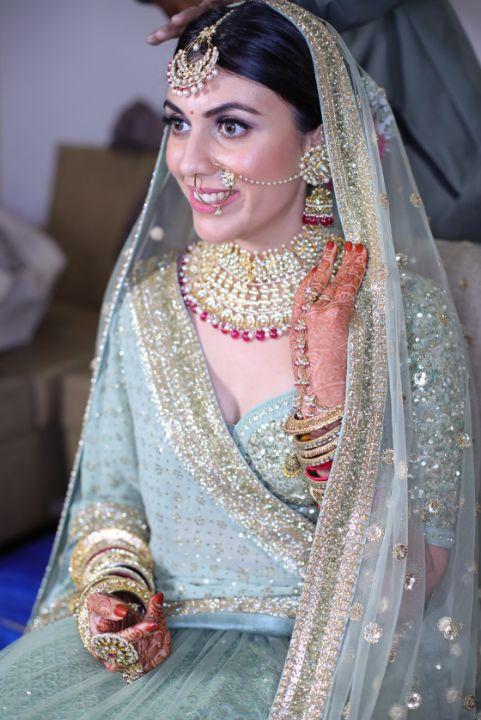 india wedding | indian bride | wittyvows | mother daughter moment | green pastel wedding | pastel lehenga | funny couple moments green sabyasachi lehenga | indian bride groom | wittyvows | bridal lehenga | floral wedding | chomu palace