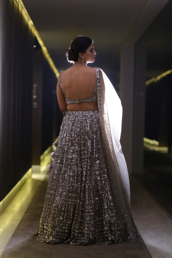 backless blouse design | silver lehenga | real wedding | wittyvows