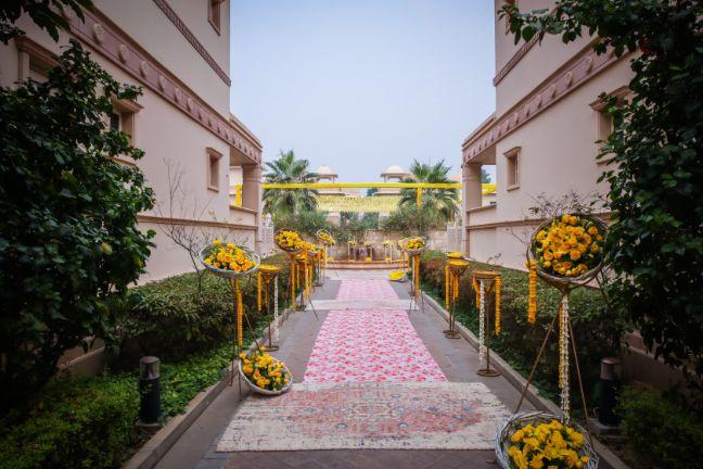 destination wedding decor ideas mehendi decor capret #wittyvows