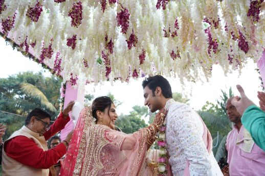 varmala ceremony   indian wedding diaries   Prettiest Mumbai Wedding