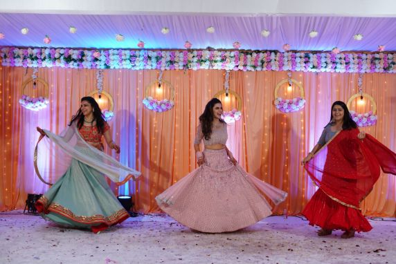 pretty bride on her sangeet day   dance performance by the bride