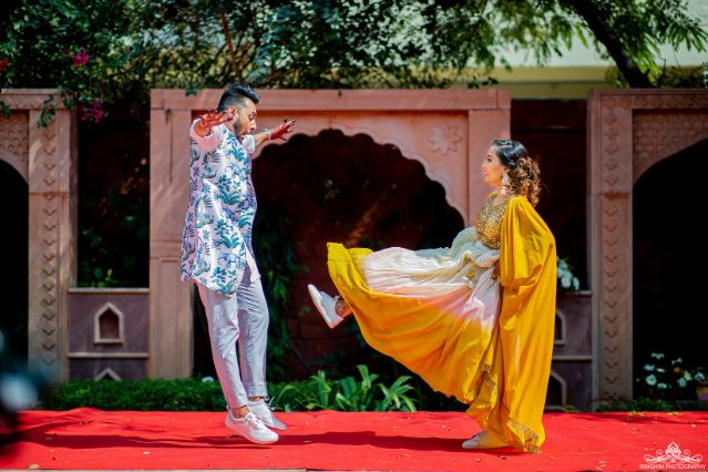 funny couple moments |  indian couple kising | indian wedding | destination real wedding Destination wedding in jodhpur | indian wedding | colourful lehenga | halid shot | haldi shower | indian bride | wittyvows | #haldi #weddings #indianwedding #yellow #lehenga