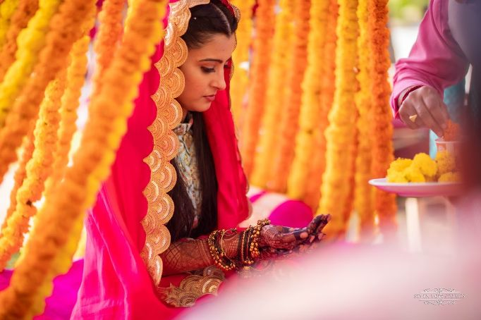 bride's candid capture in mehendi function | Cutest Haldi Ceremony