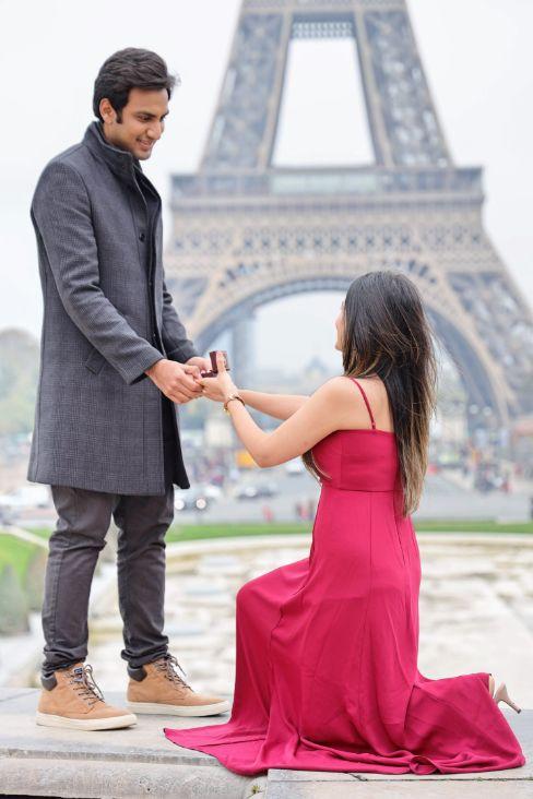 proposal in Paril   romantic couple