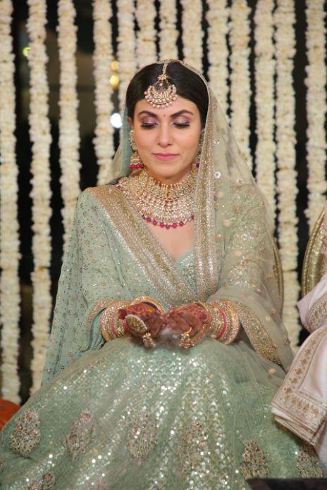 fuuny wedding moments | happy bride | indian weddings | palace wedding | sabyasachi green lehenga #wittyvows