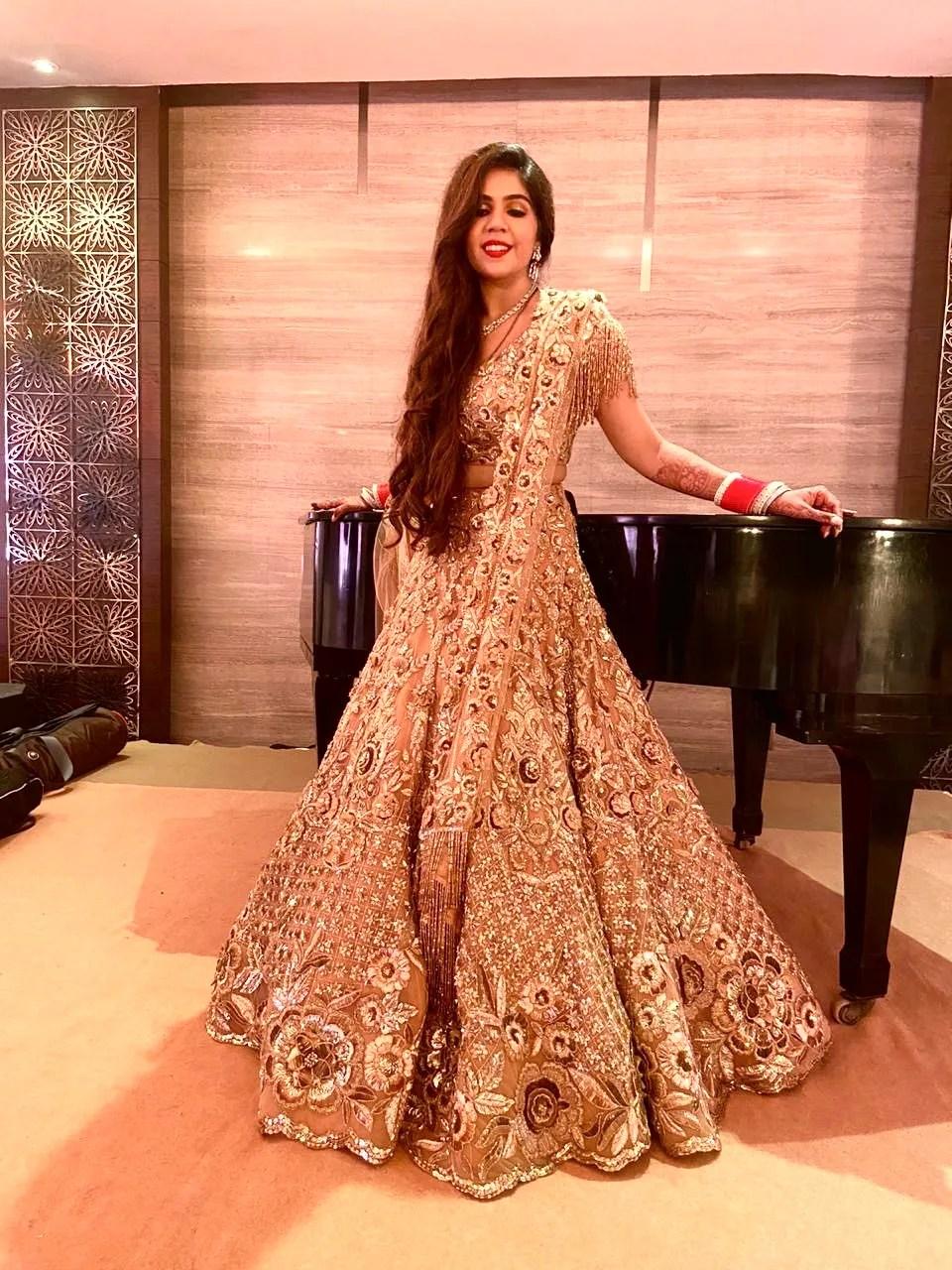 golden lehenga manish malhotra  #indianwedding #manishmalhotra indian wedding Mumbai wedding | Manish Malhotra Lehenga  reception Outfit  | chooda designs  indian couple |  #wittyvows #indianwedding