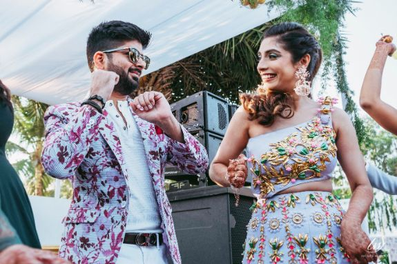 indian couple dancing | pool party outfits |