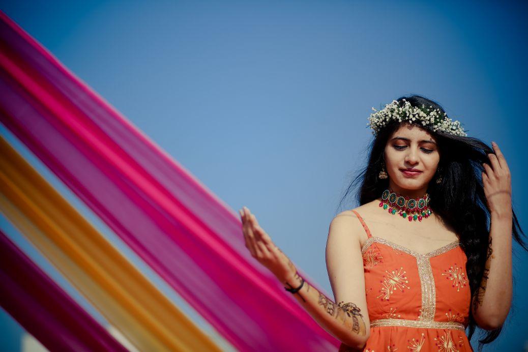 mehendi look  mehendi look   henna designs   bridal seat in flowers   summer wedding   delhi wedding