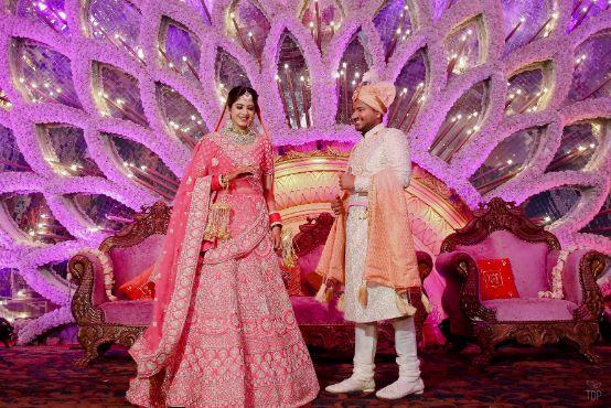 indian wedding | delhi wedding | summer wedding | mehendi look | henna designs | bridal seat in flowers | summer wedding | chooda