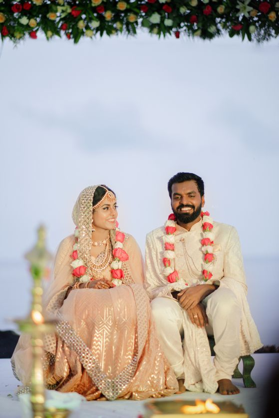 indian wedding , south indian bride , happy couple , candid photography , intimate South Indian wedding | peach lehenga | pre wedding shoot