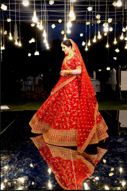 couple , wedding couple , sabyasachi bride , red lehenga , wittyvows , real weddings 2020 , Red Sabyasachi lehenga and phoolon ki chadar