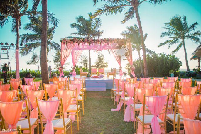 beachside decor ideas , weddings , indian wedding , india bride , wittyvows , weddings , goa wedding , destination wedding | wedding in Goa | beachside mandap | mehendi look