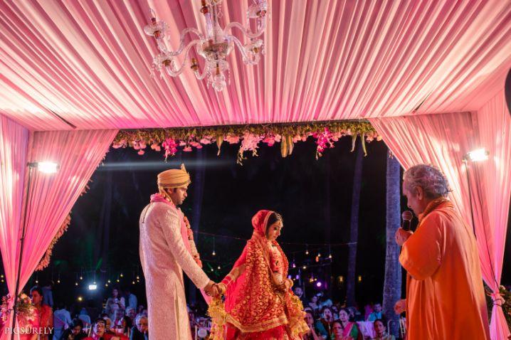 phera , saath pheras , beachside decor ideas , weddings , indian wedding , india bride , wittyvows , weddings , goa wedding , destination wedding   wedding in Goa   beachside mandap   mehendi look