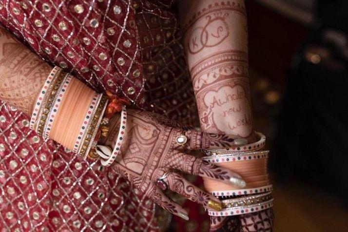 chooda , peach chooda , bridal , indian bride , indian wedding , lockdown wedding   henna design   haldi outfit