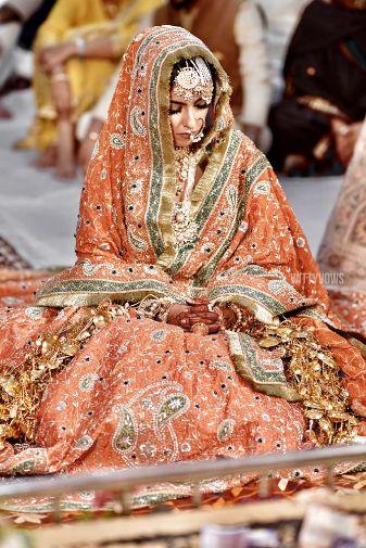 india wedding , indian bride , sikh bride , lehenga , bridal lehenga ,Punjabi wedding | orange lehenga |bridal accessories | wedding jewellery