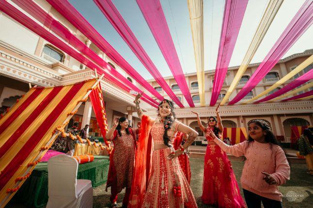 dancing bride , indian bridal entry , dancing bride , Destination wedding \ wedding in Jodhpur | Colourful mehendi ideas