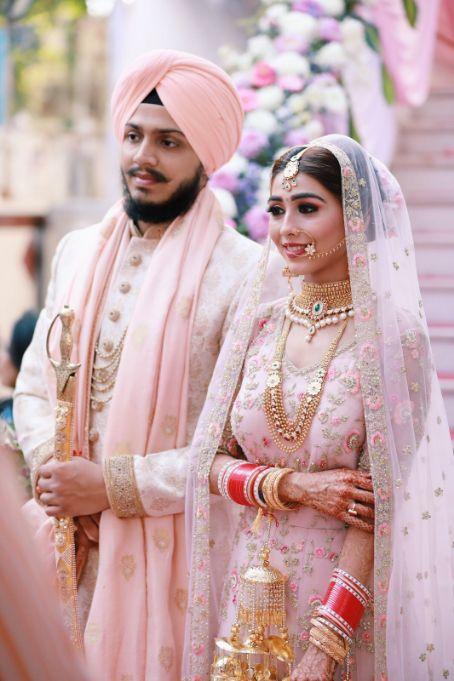 sikh couple , indian punjabi Wedding , weddings 2020 , red lehenga , pastel wedding | engagement lehenga | lehenga in red