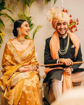 Couple portraits | Intimate Home weddings |