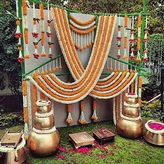 Marigold flower decor | Garden weddings in 2020 | Sustainable | eco-friendly