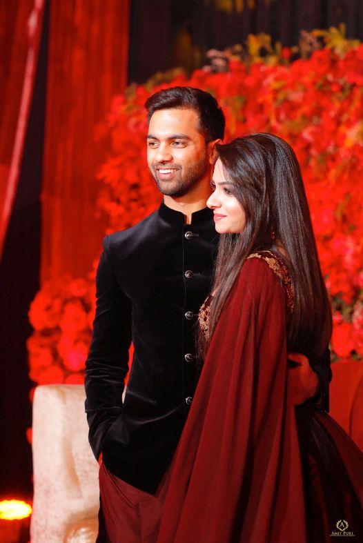 indian couple   wedding photography   v