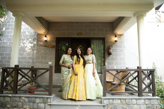 indian wedding photography | mother of the bride | sister of the bride |