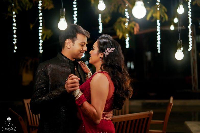 beautiful couple photography | candid photography ideas | Beach Wedding in Alibaugh