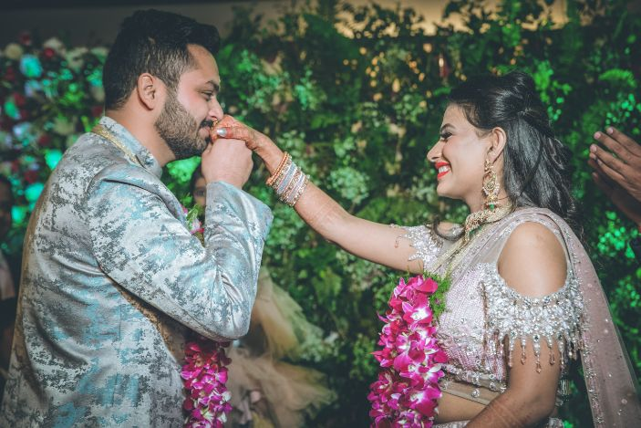 indian couple , indian wedding, green lhenega , bridal lehenga , 2020 wedding , destination wedding , intimate wedding | Wedding in Jim Corbett