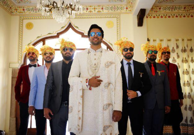 indian groom poses | wedding photography ideas