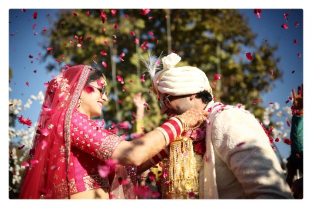 varmala moments | indian wedding