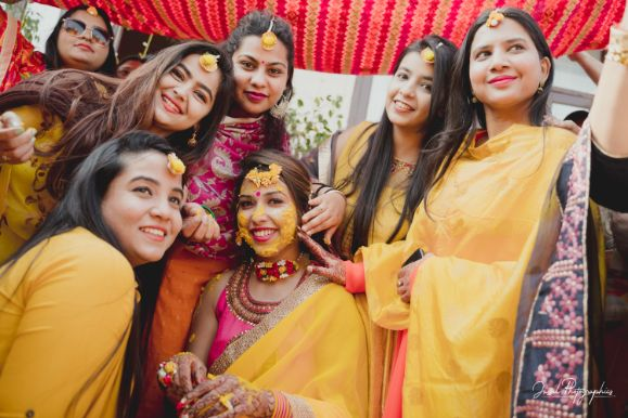 photo with indian bridesmaids | indian wedding diaries |