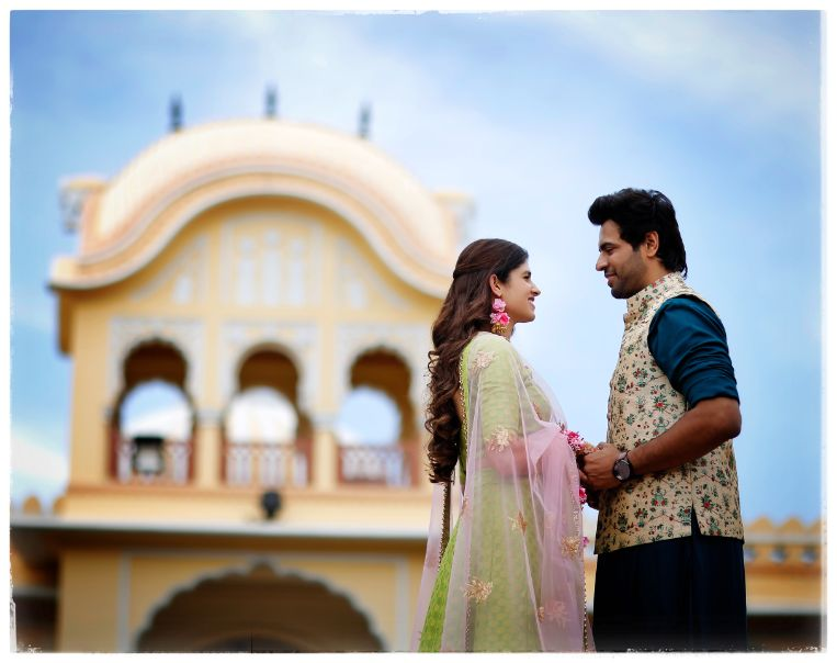 couple photography ideas | Wedding in  Orchha with a Reception Lehenga to Drool Over