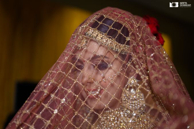 beautiful bridal dupatta | bridal veil shots | Sabyasachi Lehenga in Maroon