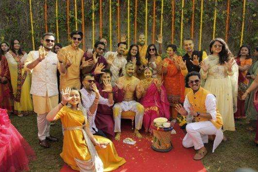 family photography ideas   indian wedding photography   haldi ceremony  