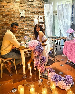 Private romantic dinner for Indian couples | Dates at home