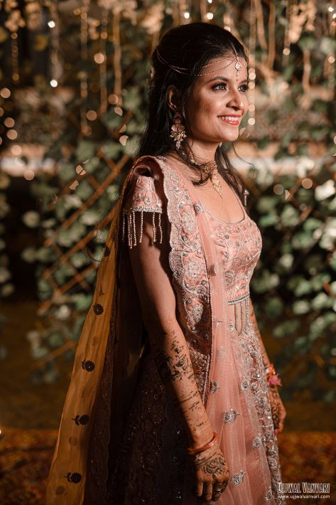 bridal portraits , indian wedding , haldi outfit , couple photoshoot , bridal details , Destination Wedding in Orccha with a Pretty Haldi Outfit!