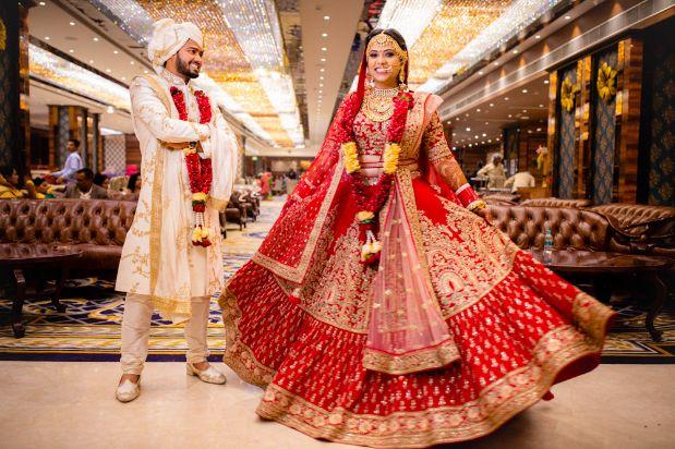indian wedding , indian bride , lehenga , real wedding , red lehenga | border design