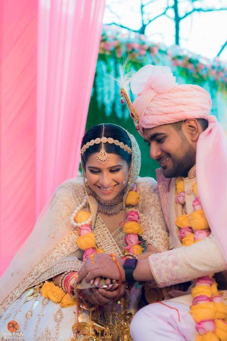 indian wedding , indian couple , wedding blog , SEO - bridal hair accessories | day wedding look | Mathapatti