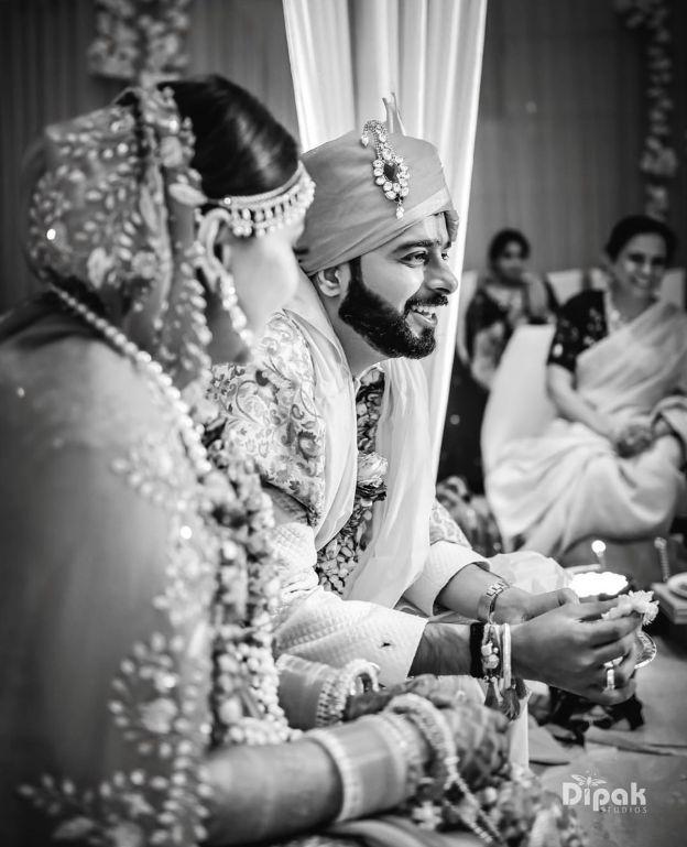 indian couple , wedding blog , blue saree | cocktail outfit | mehendi decor