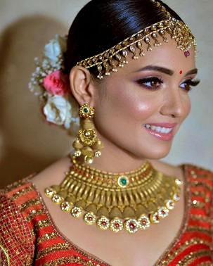 Gold necklace for Indian brides