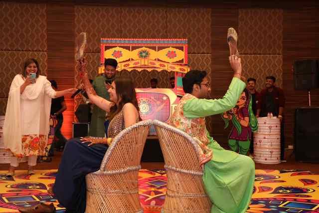 wedding games | belted lehenga for mehendi