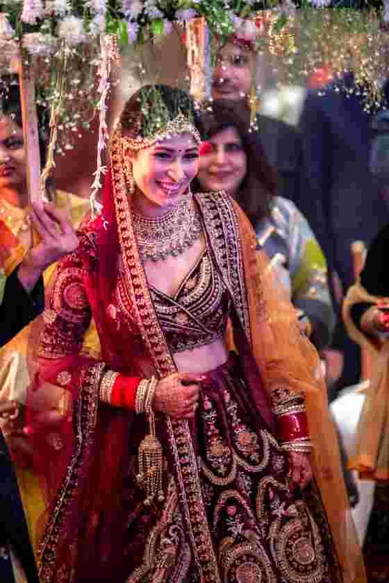 bridal entry ideas | phoolon ki chaadar