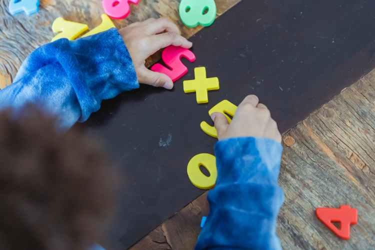 Malta alem de um sistema educacional muito bom e e grande parte gratuito, ha a possibilidade de creche gratis para as criancas.