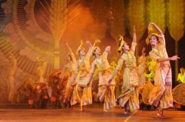 Chińskie przedstawienie w Lhasie (TYBET)