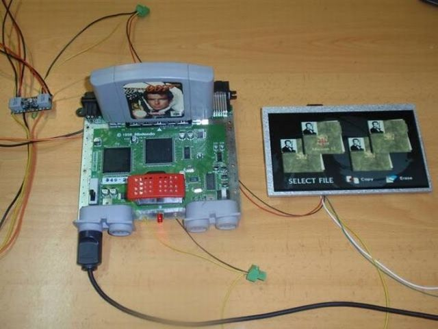 How this guy transform Nintendo 64 into A Handheld game console 11